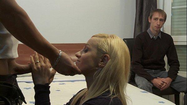 Video de corno assistindo a mulher fudendo com outro