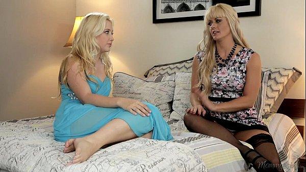 Xvidios porno com lindas lesbicas loiras se chupando bem gostoso