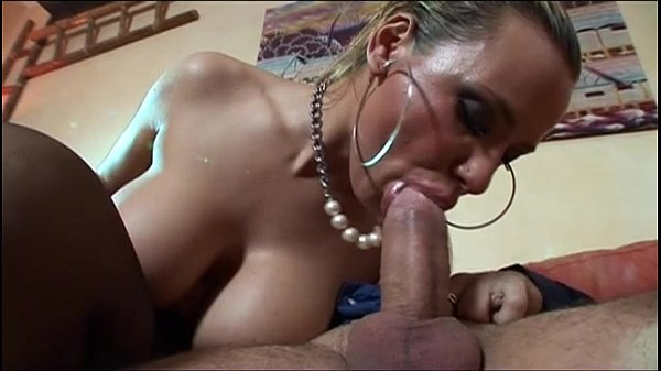 Seu porno do bom com dona de casa safada fodendo com o esposo