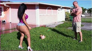 Jogadora de futebol gostosa de shortinho curto
