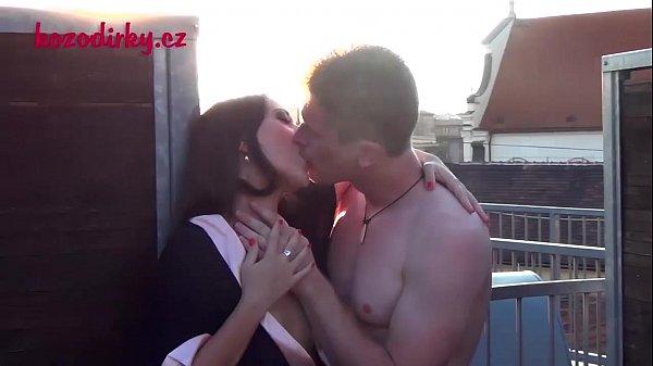 Bangbros de um casal fazendo um porno doido no final do dia quando o sol esta se pondo