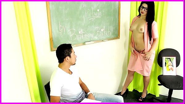 Brasil tudo liberado comendo a professora