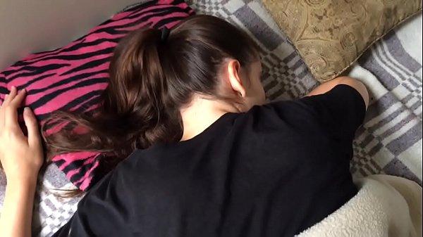 Comendo minha irmã que estava dormindo