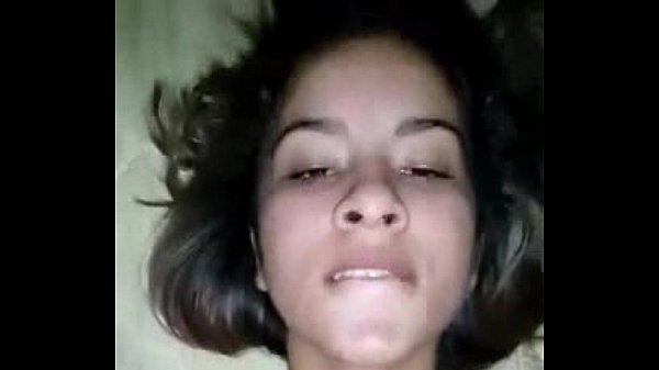 Novinha da o cu em uma putaria brasileiro e fala que lá dentro doi ainda por cima