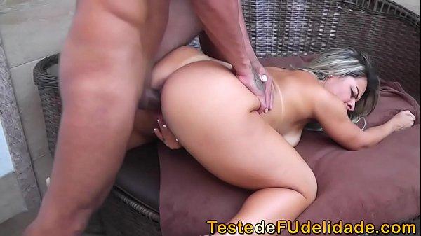 Porno doido com a loirinha no motel
