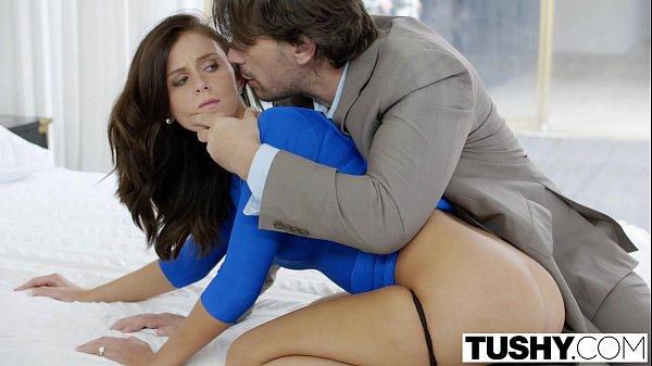 Pornotub morena super gata em um sexo anal bem violento com seu macho bem dotado