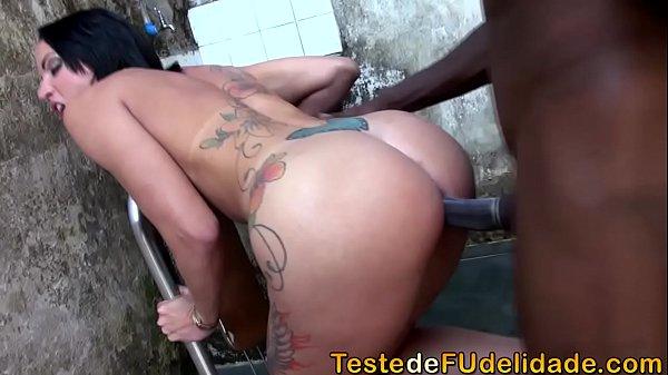 Sexo selvagem com a vizinha gostosa
