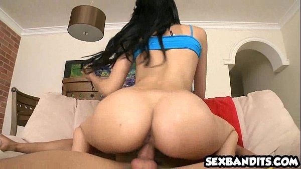 Beeg bunda gostosa cavalgando no sexo porno