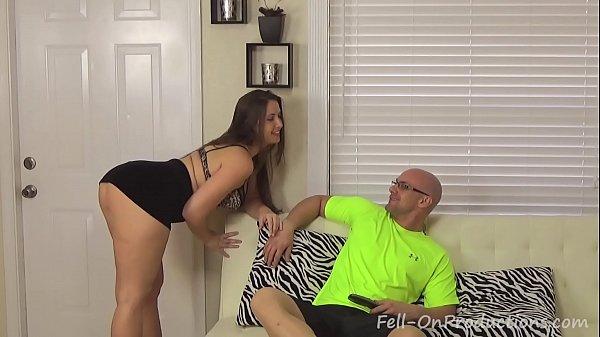 Bunduda atiçando homem casado querendo foder com ele